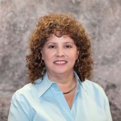 Sheila Olsen : Accounting Manager